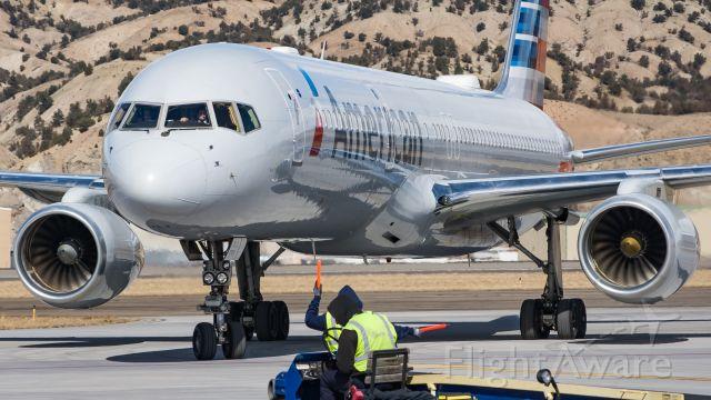Boeing 757-200 (N177AN)