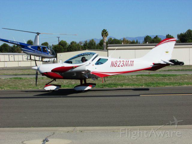 Fairchild Dornier SA-227DC Metro (N823MM) - Taxiing at Fullerton