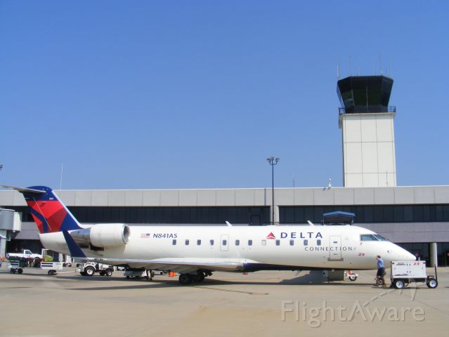 Canadair Regional Jet CRJ-200 (N841AS) - Delta Connection - CRJ-200  This type of aircraft comes into KCSG bout 4 - 5 times daily at KCSG - Columbus Metro - Columbus, Ga