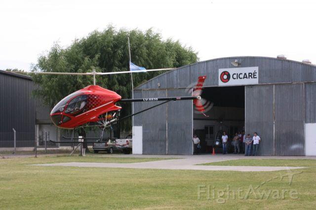 — — - Cicaré CH-1: fue el primer helicóptero que diseñó y construyó y voló el ingeniero argentino Augusto Cicaré en 1958, efectuando su primer vuelo fue en 1961. Esta máquina, al igual que su motor, fueron creados con materiales e instrumentos que se encontraban a su alcance en su taller agrícola, los cuales no eran propiamente materiales ni instrumentos aeronáuticos. El CICARE CH-1 se constituye en la primera aeronave de este tipo desarrollada y construida en Sudamérica.1