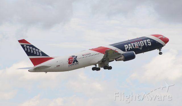 BOEING 767-300 (N36NE)