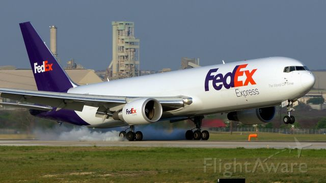 BOEING 767-300 (N157FE) - 22 arrival,<br />April 9,2021