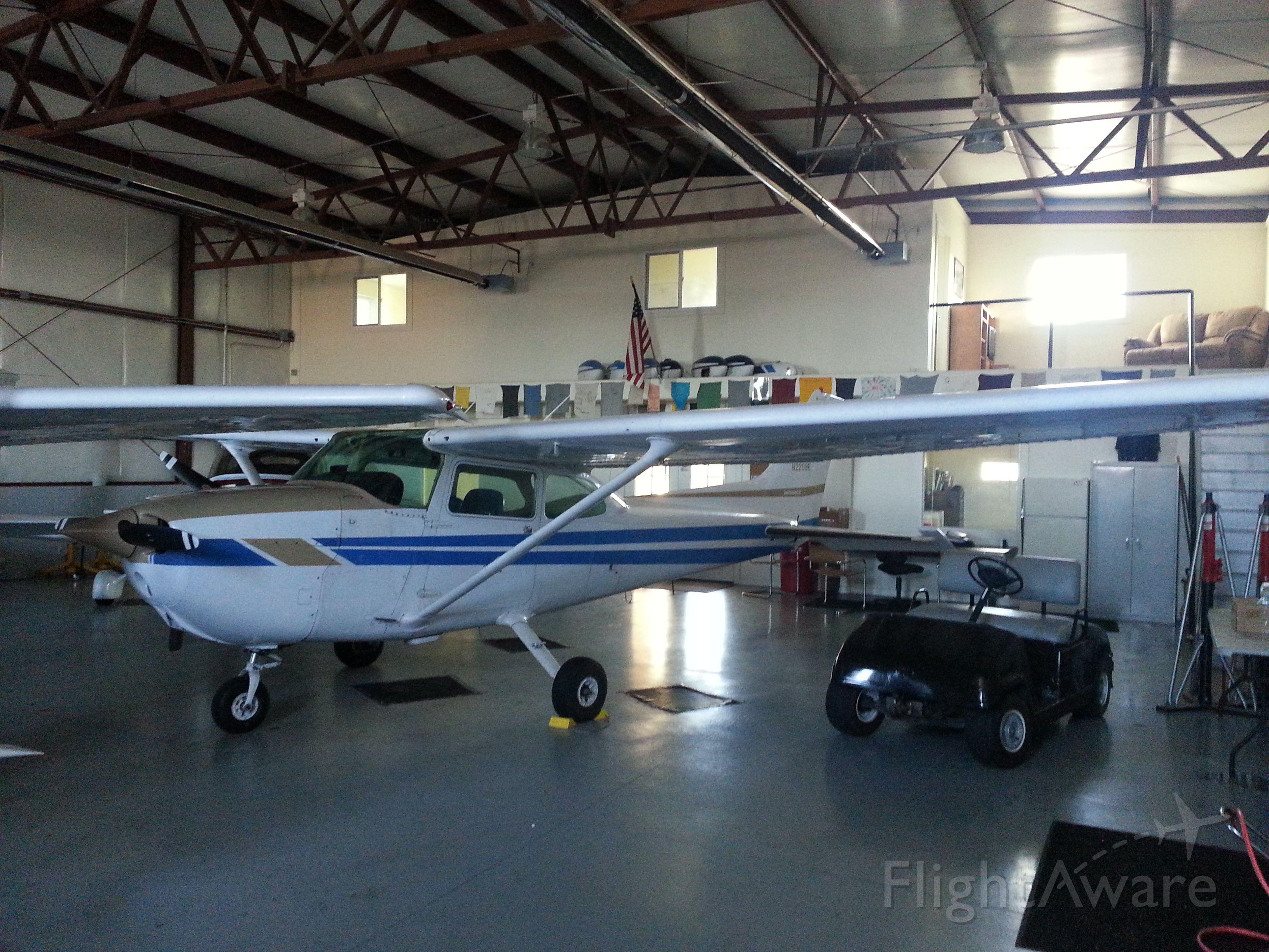 Cessna Skyhawk (N2209E)