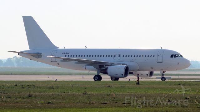 Airbus A319 (A5-RGI)