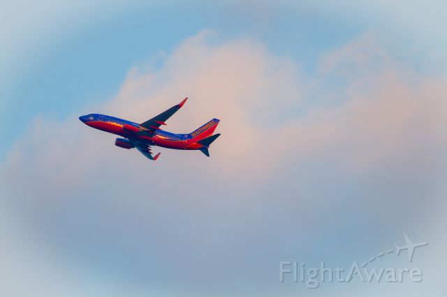 Boeing 737-700 (N266WN) - Southwest Airlines N266WN