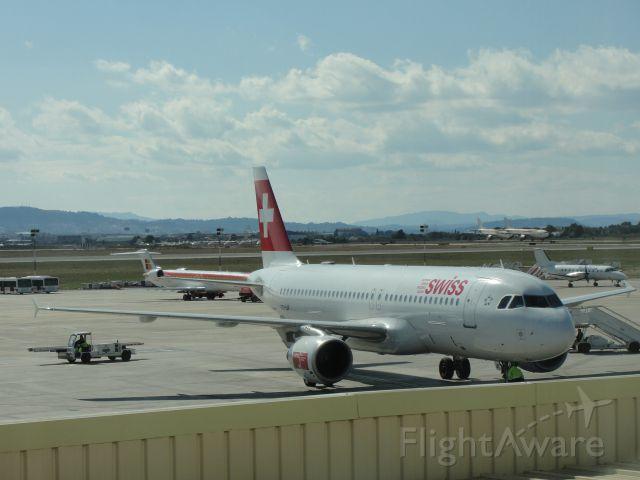 Airbus A320 (HB-IJF)