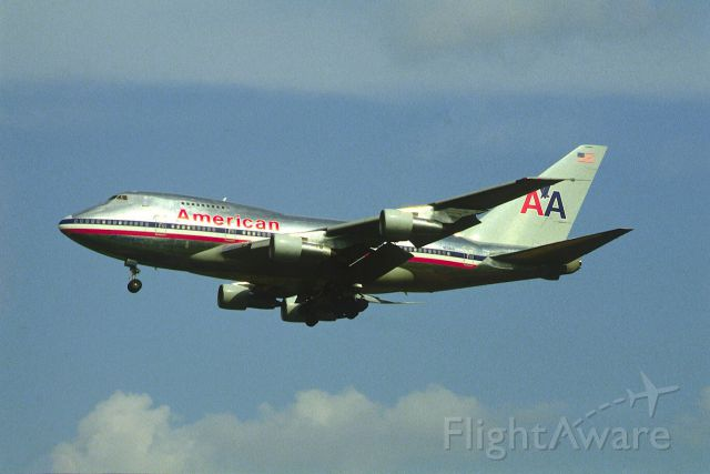 BOEING 747SP (N601AA) - Final Approach to Narita Intl Airport Rwy34 on 1987/09/12