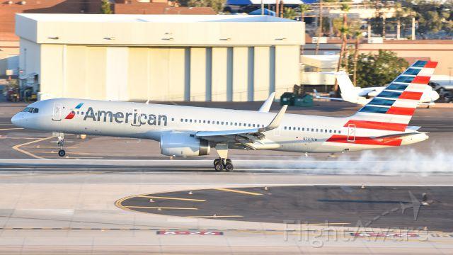 Boeing 757-200 (N207UW) - touching down on runway 26