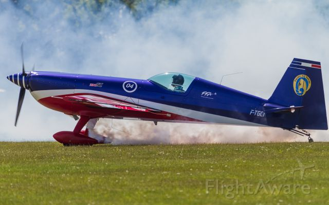 EXTRA EA-300 (F-TGCI) - Extra EA-330/SC (Aerobatic team of the French Air Force)
