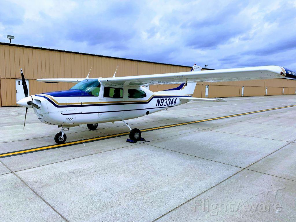 Cessna T210 Turbo Centurion (N93344) - Hangar Row MKC