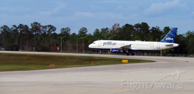 "Airbus A320 (N607JB) - ""Beantown Blue"" Recetntly arrived from BWI as Flight JetBlue 1211"