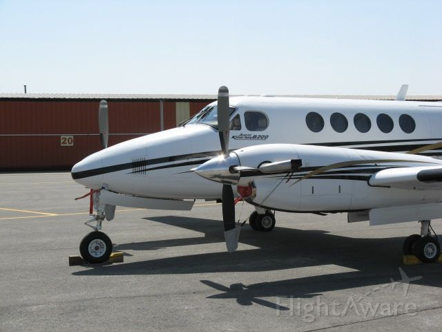 Beechcraft Super King Air 200 (N980GB) - Beechcraft Super Kingair 200 at Fulton, NY 4/24/08.