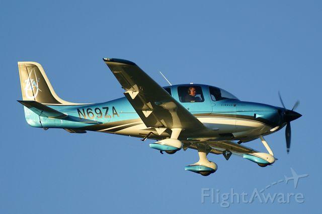 Cirrus SR-22 (N69ZA)