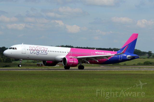 Airbus A321neo (G-WUKN) - Touching down on rwy 25 on 8-Jun-21 operating flight WUK4486 from UKLL.