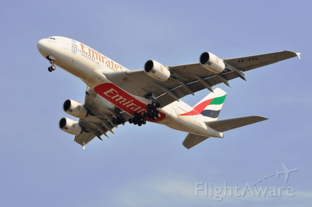 Airbus A380-800 (A6-EDL)