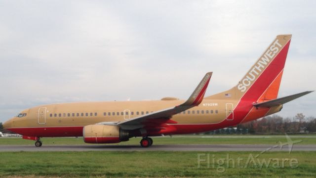 Boeing 737-700 (N792SW) - Southwest Classic taxis out of Albany with service to Tampa