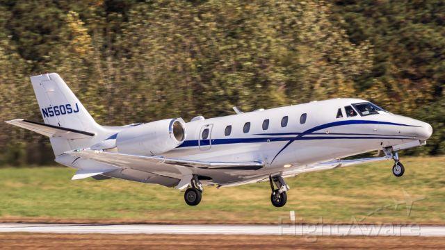 Cessna Citation Excel/XLS (N560SJ) - Canon EOS SL1, EF 400mm f/5.6L