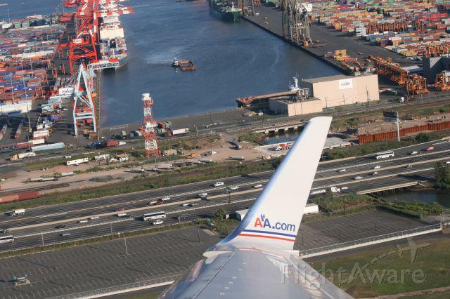 Boeing 757-200 (N633AN) - Taking off from Newart International