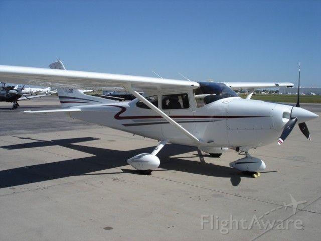 Cessna Skyhawk (N522CF)