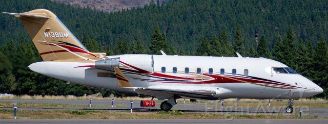Canadair Challenger (N138DM)