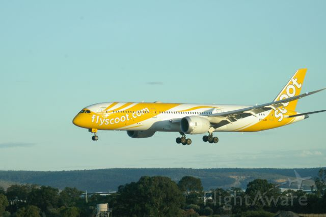 Boeing 787-9 Dreamliner (9V-OJB) - Scoot Boeing 787-9 (9V-OJB) landing rwy 03 at Perth International Airport.