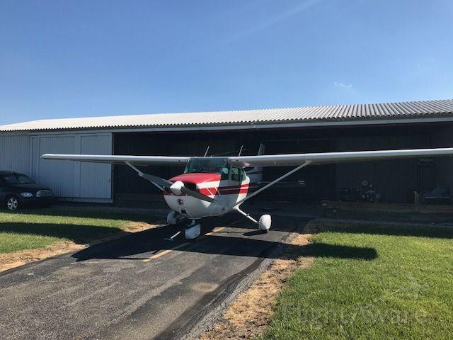 Cessna Skyhawk (N5158E)