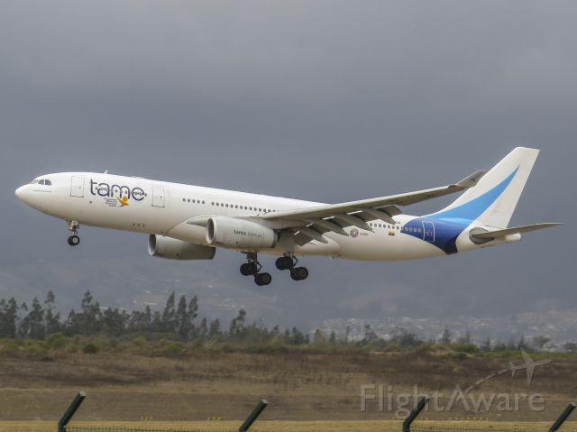 Airbus A330-200 (HC-COH)