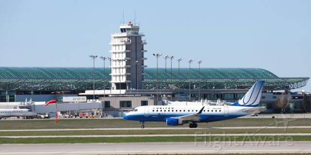 Embraer 170/175 (N653RW) - Photo taken from the South viewing area.