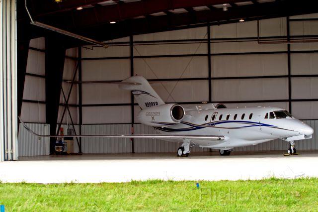 Cessna Citation X (N908VR) - Beautiful Cessna Citation X in its hanger at KAAO