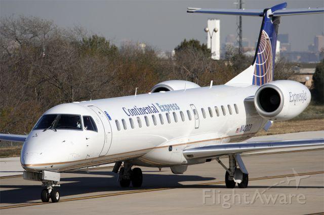Embraer ERJ-145 (N14203) - Dec. 1, 2006