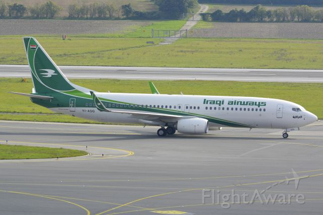 Boeing 737-800 (YI-ASG)
