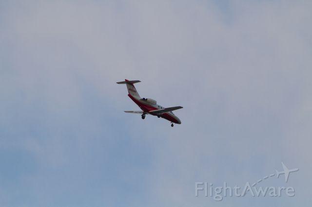 Cessna Citation CJ1 (N525AW) - N525AW inbound to RY 12 at Long Beach, CA