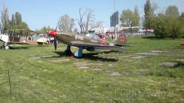 YAKOVLEV Yak-3 — - YAK-3