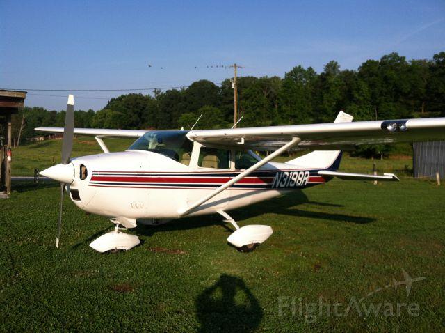 Cessna Skylane (N3198R)
