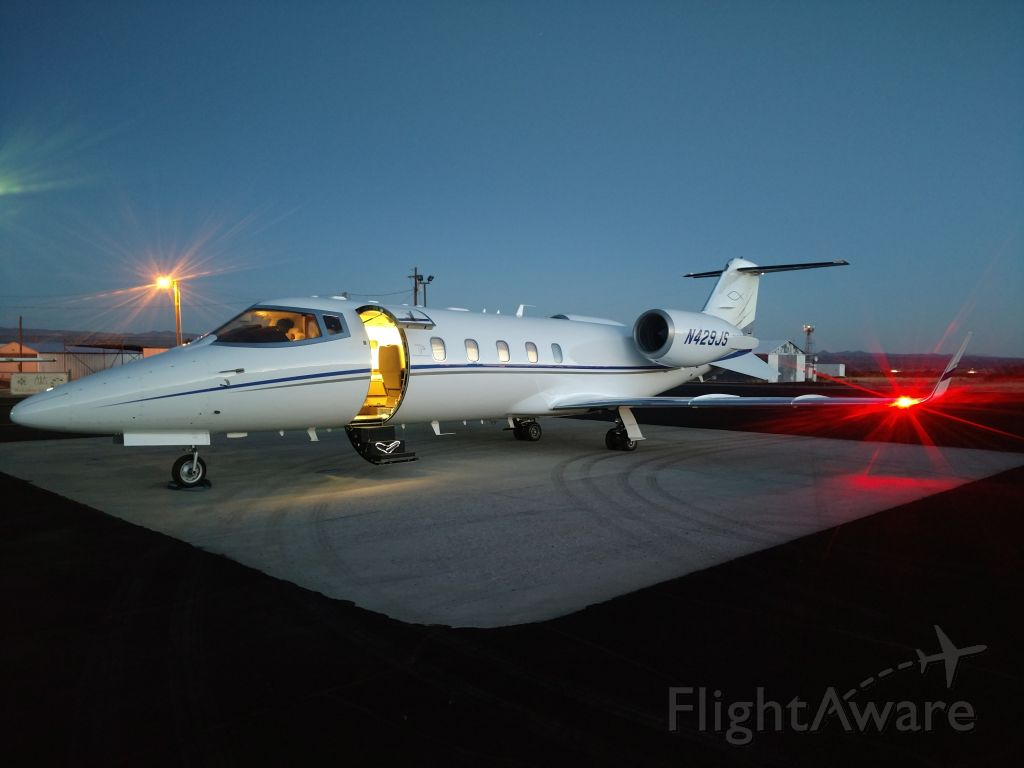 Learjet 60 (N429JS) - Getting ready to depart New Mexico with day light fading.