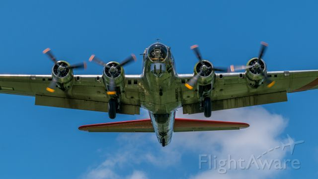 Boeing B-17 Flying Fortress (N3701G) - B-17G on approach to runway 18 at KDAY.  This aircraft is called