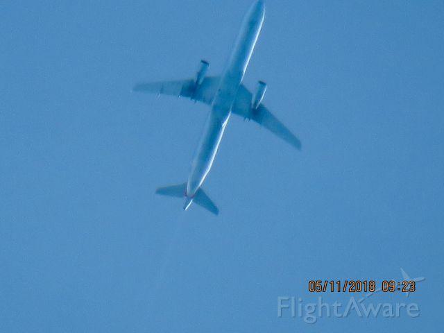 Airbus A321 (N568UW)