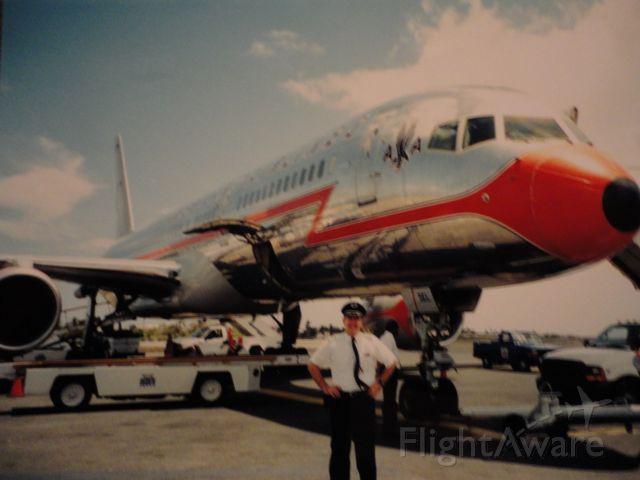 Boeing 757-200 — - Retro paint scheme