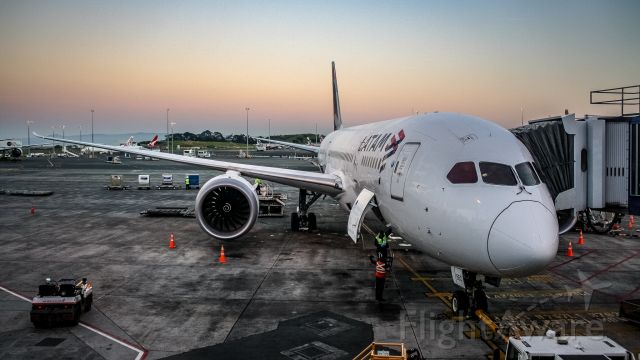 Boeing 787-8 (CC-BBD) - My ride to Sydney from Auckland