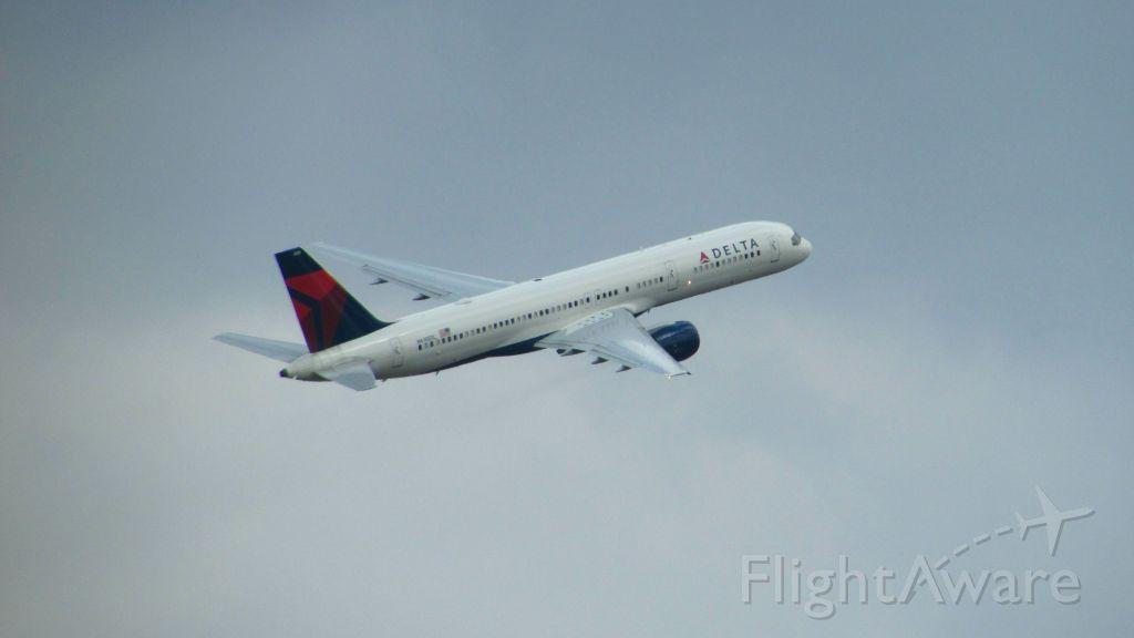 Boeing 757-200 —