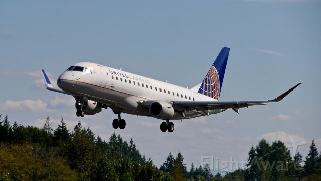 EMBRAER 175 (long wing) (N116SY) - SKW349Y from KSFO on final to Rwy 34L on 9.2.19. (ERJ-175LR / cn #17000411).