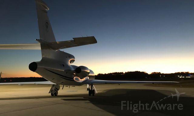 Dassault Falcon 50 (N54YR)