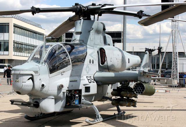 DEBORDE-ROLLAND Cobra (Bell Textron AH-1Z Super Cobra) - Bell Textron AH-1Z Super Cobra, static display at Paris-Le Bourget (LFPB-LBG) Air Show in june 2011