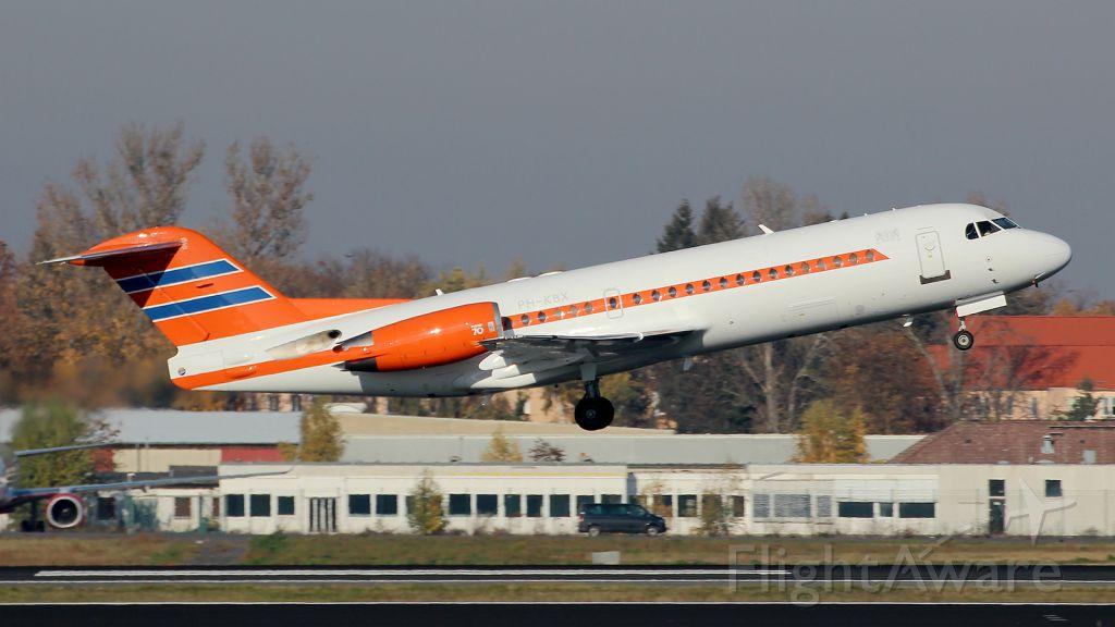 Fokker 100 (PH-KBX)