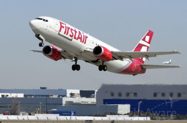 BOEING 737-400 (C-FFNC)