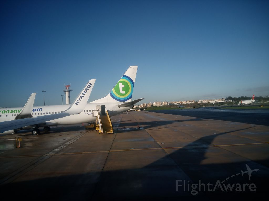 — — - Ryanair FR7329 at Portela PT - 2016-01-18