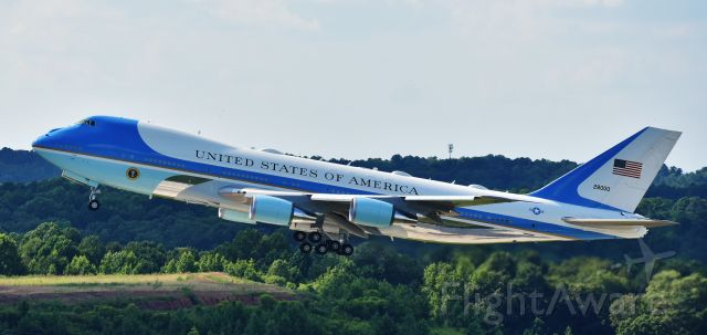 Boeing 747-200 (82-8000) - President Trump departing RDU, 7/27/20.  Taken from the parking deck.  A little backlit, but I did my best.