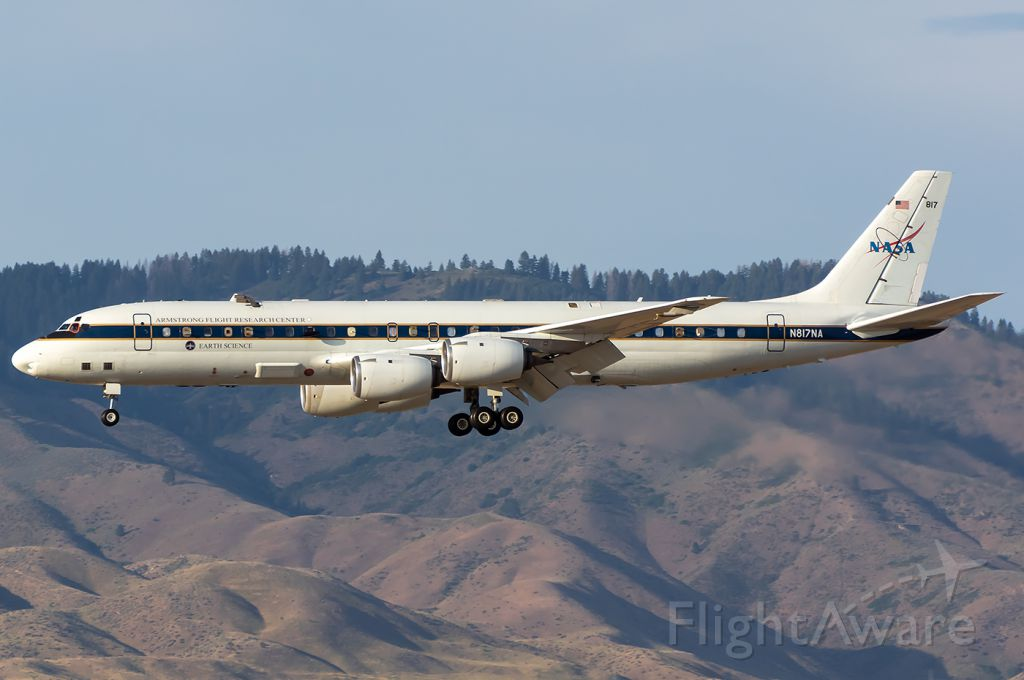 McDonnell Douglas DC-8-70 (N817NA) - Full Quality Photo --> https://www.airliners.net/photo/NASA/McDonnell-Douglas-DC-8-72/5634693