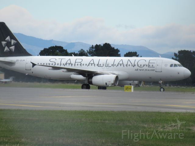 Airbus A320 (ZK-OJH) - Star Alliance Livery