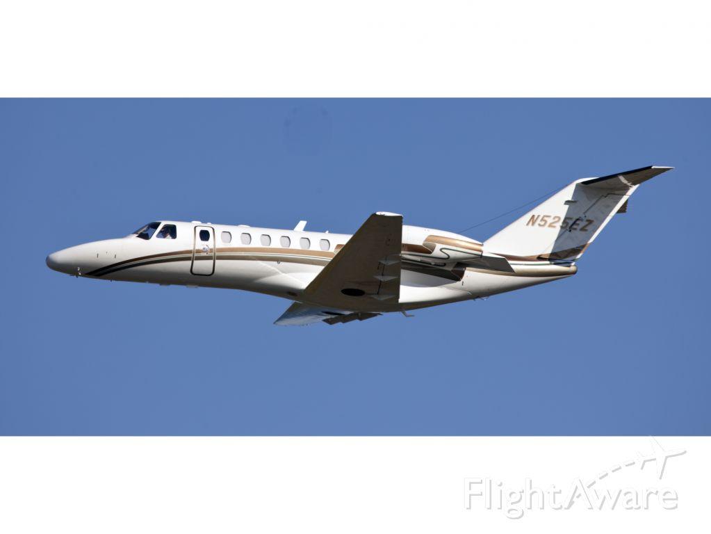 Cessna Citation CJ3 (N525EZ) - Take off RW06.